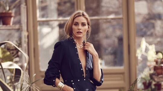 STILIKON LANCERER BUDGETVENLIGT BLINGSmukke smykker er prikken over i'et, når et lækkert look skal stables på benene. Bling er dog ofte en bekostelig affære, så stilikonet Olivia Palermos nye og budgetvenlige kollektion for bijouterifirmaet BaubleBar er bestemt værd at stifte bekendtskab med. Glimtende brocher i vintage stil, kolossale cuff armbånd, art deco ørestikker og meget, meget mere - realitystjernens kollektion er en veritabel skattekiste (25 forskellige smykker) af pynt til priser fra ca. 187-522 kr. (der er gratis fragt til DK ved køb for over 1004 kr.).Palermos nye kollektion - 'Everything Bold is New Again' - er inspireret af hendes kærlighed til antikke smykker, og hele herligheden kan ses her: BaubleBar.comKLIK VIDERE...