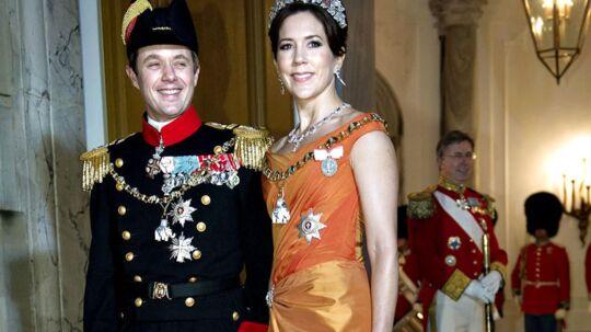 Kronprinsesse Mary og Kronprins Frederik ankommer til regentparrets Nytårskur- og Taffel i Chr. d. V11 Palæ, Amalienborg 1. januar 2013. (Foto: Keld Navntoft/Scanpix 2013)