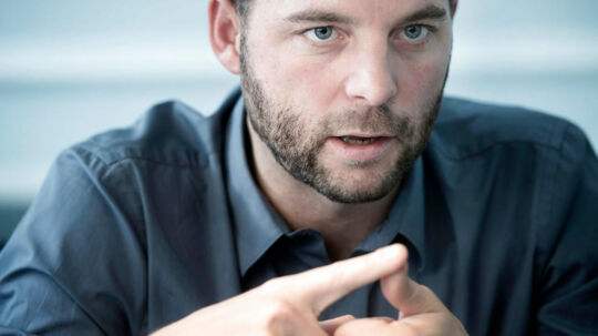 - En stemme på Det Radikale Venstre er en stemme mod 24-årsreglen, siger økonomi- og indenrigsminister Morten Østergaard (R).