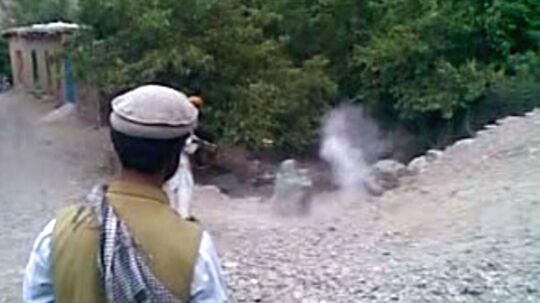 Videoen af det koldblodige mord har skabt afsky og forfærdelse. Ikke kun rundt om i verden, men også internt i Afghanistan.