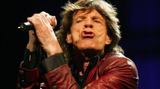 Uimodståelig. Mick Jagger har ifølge en ny bog været i seng med mindst 4.000 kvinder. Bland de heldige er Angelina Jolie og Uma Thurman. (Foto: EPA)
