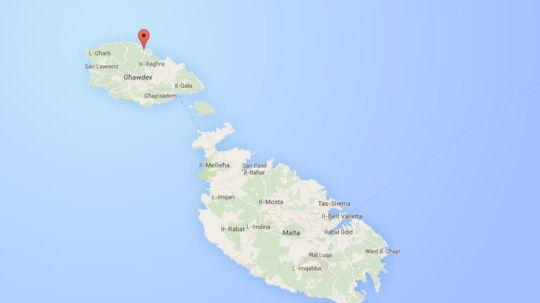 En 71-årig dansk kvinde er ifølge det maltesiske medie TVM fundet død på ferie-øen Gozo, der ligger lige nord for Malta.