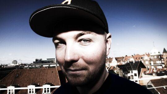 Den danske DJ, Rune RK overskrider grænserne - Både musikkens og Danmarks. (Foto: Anders Debel Hansen)