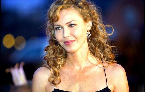 Connie Nielsen har sagt ja til at medvirke i 'Between the lines'.