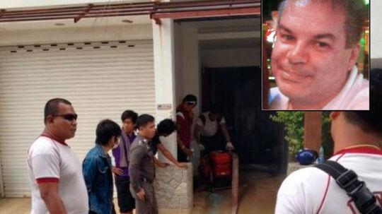 En 49-årig norsk mand blev tirsdag aften anholdt, efter at det thailandske politi gennemsøgte hans millionvilla i feriebyen Kata på Phuket for ulovlige våben.