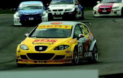 Michel Nykjær i sin Seat Leon-racer er i øjeblikket forfulgt af uheld.