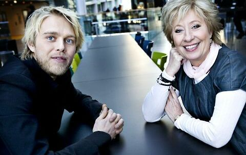 Melodi grand prix håb: Felix Smith håber på det traditionelle kys fra medværten Birthe Kjær.