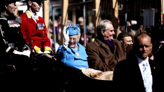 På selve jubilæumsdagen den 14. januar kører dronningen i karet til Københavns Rådhus, hvor der klokken 13 er underholdning i Rådhushallen. Bagefter vil regentparret viser sig på Rådhusets balkon (arkivfoto).