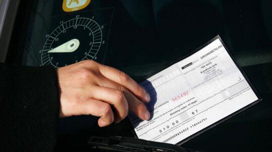 Ansatte ved den russiske ambassade skylder tusindvis af kroner for ubetalte parkeringsbøder (arkivfoto).