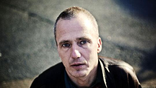 Rapperen MC Einar med det borgerlige navn Einar Enemark fortæller i ny bog om sit talehandicap.