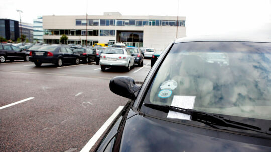 Se dig for - fremover kan en ulovlig parkering komme til at koste 1.530 kroner. Eller 3.060, hvis du har parkeret rigtig dumt.