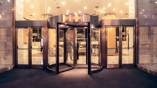 Danske hoteller scorer helt i bund i international undersøgelse.