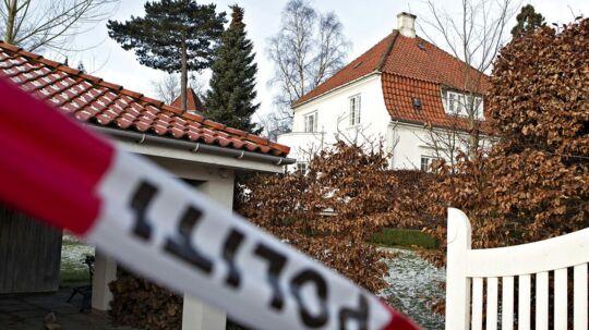 Fire mænd er blevet kendt skyldige i et groft hjemmerøveri, der i januar foregik i denne villa i Holte.