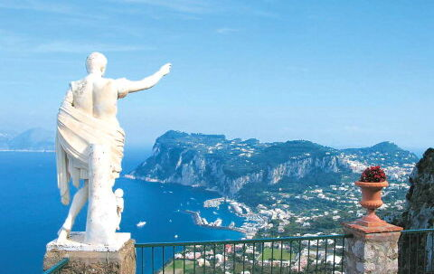 Capri er en gudesmuk ø med mange udsigtspunkter. Højeste punkt er Mount Solaro, 589 m over havet. Foto: Carsten Andersen