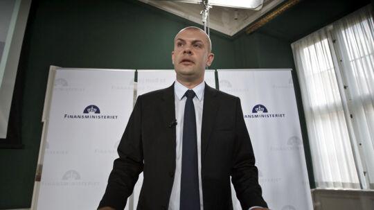Det er regeringens økonomiudvalg, som finansminister Bjarne Corydon (S) står i spidsen af, der er blevet det magtfulde såkaldte maskinrum i regeringen, skriver Jyllands-Posten.