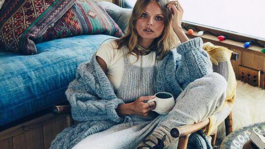 Blød strik i douce farver og lækre materialer er indbegrebet af god vinterstil.Klik videre og bliv klædt på til kulden...