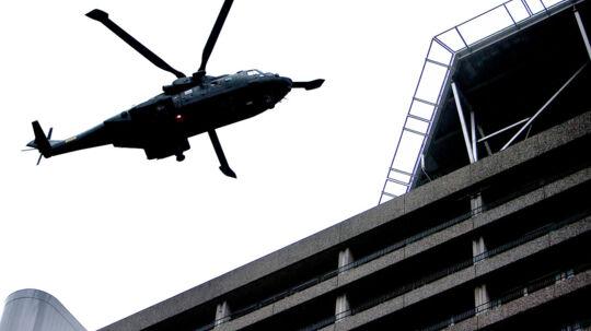 Barnet blev fredag aften fløjet Rigshospitalet, hvor det modtager behandling på brandsårsafdelingen.