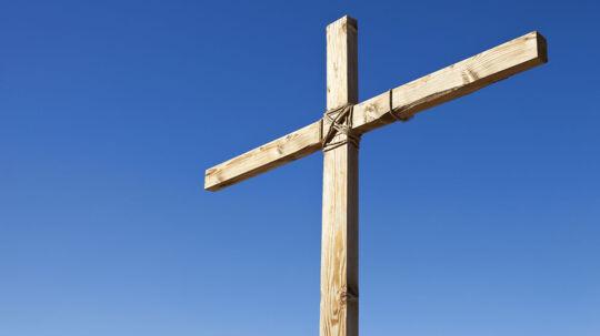 Kristendommen farver vores måde at være sammen på i julen og påsken - men ikke i pinsen. Ifølge dansk forsker hænger det sammen med, at vi har svært ved at forholde os til pinsens centrale figur: Helligånden.