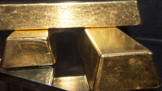 Amerikanske forskere har produceret menneskeskabt guld ved at fodre en bakterie med kemikalier. Efter en uges fordøjelsestid lægger bakterien en lille guldklump på 24 karat.
