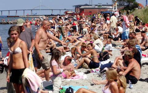Endelig blev det sommer, og det skulle Langelandsfestival-deltagerne også nyde. Foto: Mogens Flindt