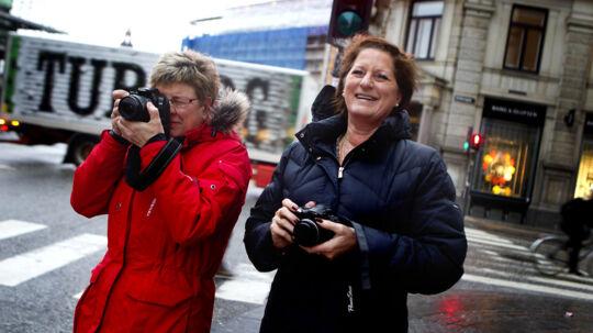 Gitte Yhman til venstre og Elisabeth Lundkvist er drevne royale tilskuer gennem 10-12 år.