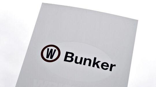 Olieforsyningsselskabet OW Bunker erklærer sig konkurs efter en sag om omfattende bedrageri. To ledende medarbejdere er blevet politianmeldt.