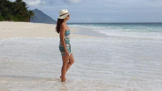 Prinsesse Madeleine giver igen til svensk presse, efter en svensk avis har afsløret, at Madeleine og Chris O'Neill er taget på bryllupsrejse til det idylliske Seychellerne. Billedet uploadede hun på sin officielle facebook-side med ordene 'Enjoying the peaceful ocean .........'