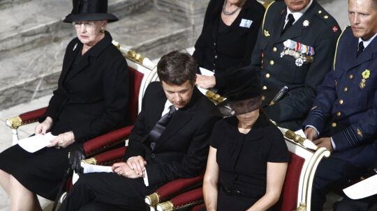 Mindegudstjeneste for ofrene for terror i Norge i Københavns Domkirke onsdag den 27. juli. Her ses dronning Margrethe, kronprins Frederik og kronprinsesse Mary på deres pladser i kirken.