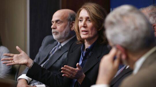 Googles kommende økonomidirektør Ruth Porat ses her i en paneldiskussion med Ben Bernanke, tidligere direktør for den amerikanske centralbank. 58-årige Ruth Porat kan se frem til en rigtig fin lønpakke, når hun i slutningen af maj tiltræder i sin direktør-stilling i Google.