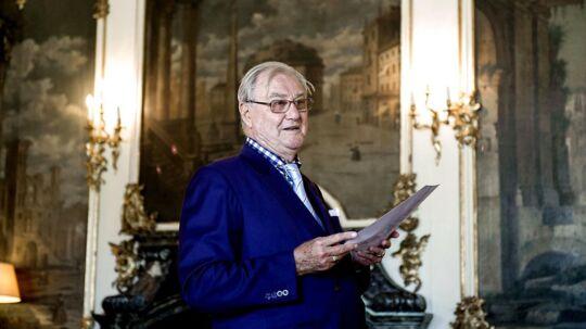 """H.K.H. Prinsgemalen, Prins Henrik, præsenterer sin nye digtsamling """"Dans mes Nuits sereines - I mine lykkelige Nætter"""" på Fredensborg Slot tirsdag 27. maj 2014"""