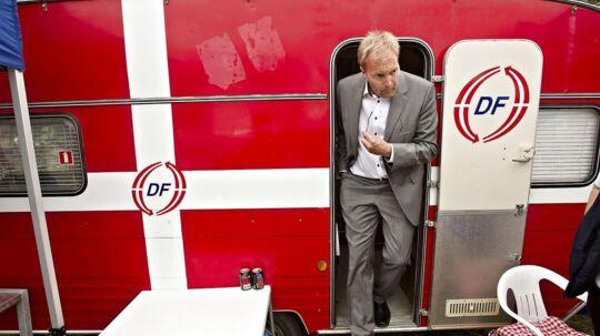 Det er langt fra Dansk Folkepartis officielle holdning, at man kunne »forvente« de afbrændinger af boliger, der huser asylansøgere, som Sverige har været vidne til den seneste tid, siger DF-top.