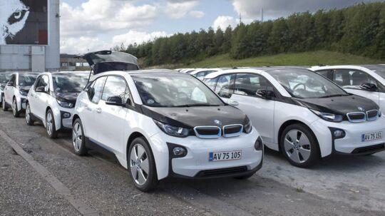 Mere end 20.000 har registreret sig Københavns nye bybilskoncept, som DriveNow og Arriva står bag. Hver enkelt af de 400 hvide BMW i3 kører op til 2,5 ture om dagen i gennemsnit.