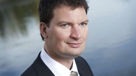Henrik Rasmussen, borgmester i Vallensbæk Kommune er en af de fem borgmestre, der har fået en klækkelig gage, for at sidde i bestyrelsen i et selskab, han selv har været med til at oprette.