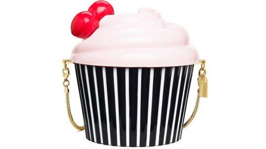 SUKKERSØDTCupcake-tasker, flydende karamel og sukkerperler til rosenkinder - klik videre og giv den søde tand lidt nyt at tygge på...Foto: Kate Spades nye limited edition 'Magnolia Bakery' kollektion.