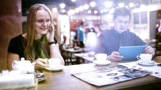 Lige nu rammer prisstigningerne ikke dem, der allerede har de billige mobilabonnementer, men teleselskaberne vil også forsøge lokke dem til at vælge noget lidt dyrere med lidt mere i pakken. Arkivfoto: Iris/Scanpix