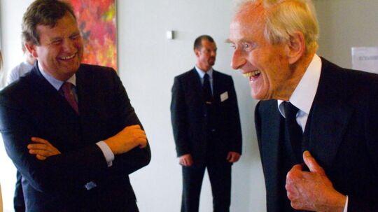 Michael Pram Rasmussen (til venstre) står som bestyrelsesformand i spidsen for Mærsk Mc-Kinney Møllers livsværk, som sidste år betalte 11 milliarder kroner i danske skatter,
