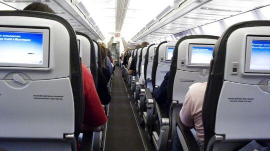 Det Europæiske Luftsikkerhedsagentur har givet grønt lys til, at de europæiske flyselskaber kan lade deres passagerer holde elektronisk udstyr tændt under flyrejsen.