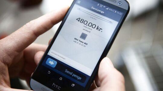 Scan en reklame i bybilledet på din smartphone, betal med MobilePay, og så er varen bestilt til levering.