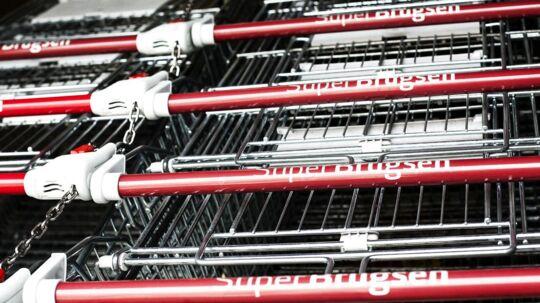 Der lægges stadig færre varer i de Coop-ejede dagligvarekæders indkøbsvogne.