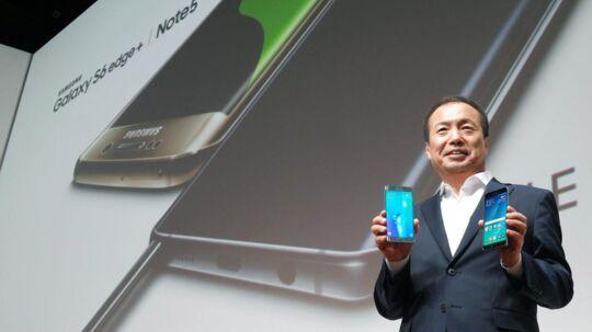 Gennem mange år har det været Samsungs mobilchef, J.K. Shin, der gik på scenen og præsenterede de seneste nyskabelser fra den sydkoreanske mobilgigant. Nu bliver han flyttet væk fra den daglige drift og skal i stedet se på langsigtede strategier. Arkivfoto: Yonhap/EPA/Scanpix