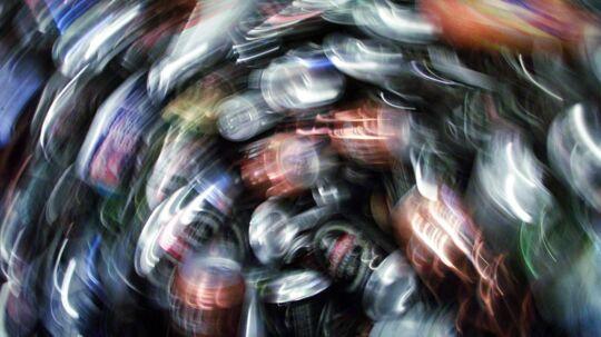 Over en milliard engangsemballager i form af dåser og flasker ryger nu årligt gennem det danske genbrugssystem, som bliver bestyret af Dansk Retursystem A/S. Arkivfoto: Stine Larsen