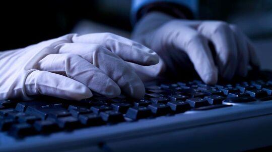 Det er lykkedes angiveligt kinesiske hackere at trænge ind i et større, amerikanske hospitalssystem og kopiere 4,5 millioner menneskers personlige data. Arkivfoto: Iris/Scanpix