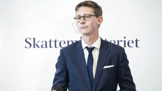 Skatteminister Karsten Lauritzen (V) har markedsført sig selv som skatteminister med fokus på retssikkerhed. Nu bør han sætte handling bag ordene og genindføre virksomheders ret til dækning af omkostninger ved retssager mod Skat, den såkaldte omkostningsgodtgørelse.