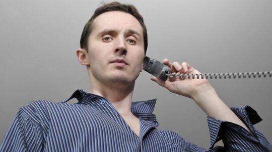 Det bliver 30 kroner dyrere hver måned at have fastnettelefon hos TDC fra 1. juli. Dermed stiger årsabonnementet fra 1.608 til 1.968 kroner, før man overhovedet har løftet røret. Foto: Iris/Scanpix