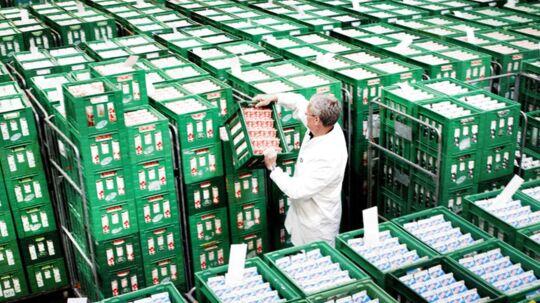Arla investerer 1,7 milliarder kroner i kinesiske mejeriselskaber. Investeringen ventes at femdoble omsætningen i Kina i 2016.