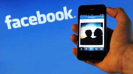 Det sociale netværk Facebook, der tidligere har forsøgt at købe den populære chattjeneste Snapchat og gentagne gange er blevet vurderet til at miste unge internetbrugere til nyere tjenester, vil fortsætte kampen - blandt andet med fokus på chat, grupper og selskabets fotoapp Instagram.