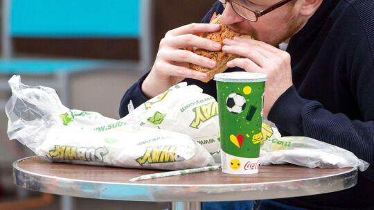 De mest velhavende danskere er samtidig de flittigste gæster i fastfoodrestauranterne.