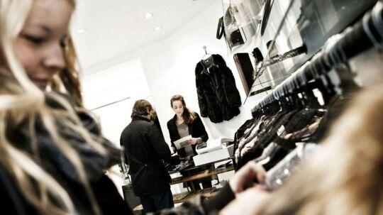Forbrugerne er ikke gået så meget shop-amok i tøjbutikkerne i oktober måned.
