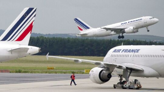 En ny spareplan er undervejs i Air France-KLM, der ifølge avisen Telegraaf vil realisere omkostningsreduktioner for 1 mia. euro gennem et program, der vil blive opstartet i 2015 og løbe i tre år.
