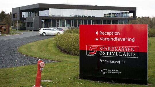 Sparekassen Østjylland med hovedsæde i Hammel blev søndag overtaget af Sparekassen Kronjylland.